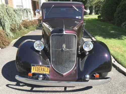 Plymouth 2 door Sedan Black Cherry (1934)