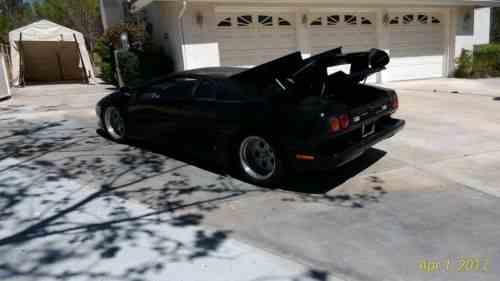 Replica Kit Makes Lamborghini Fiero 1986 Black Lamborghini One