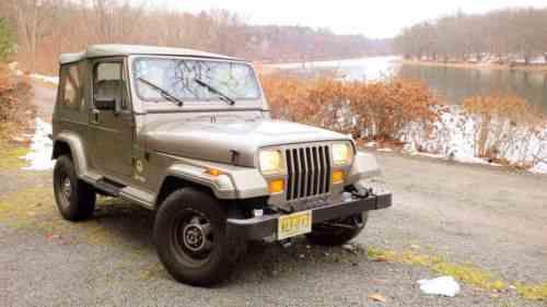 Jeep Wrangler olive (1990)
