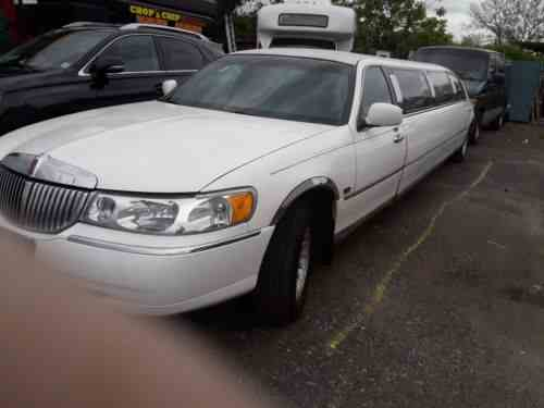 Lincoln Town Car 2000 I Bought This Limo From A Close Friend One