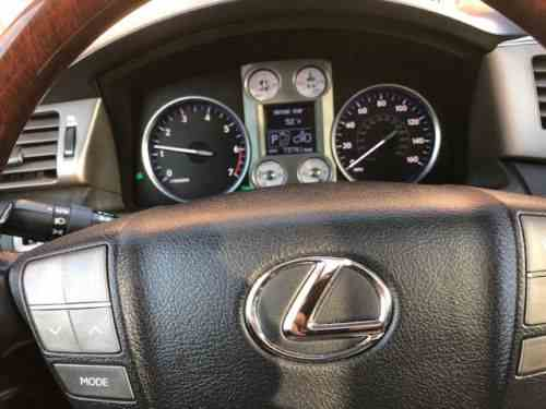 Lexus LX 570 (2011)